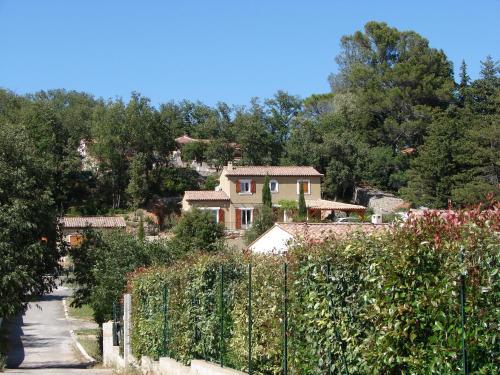 Hotel Pictures: Luxe Provençaalse villa, Besse-sur-Issole