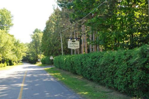 Hotel Pictures: Auberge Du Mont Rigaud, Rigaud