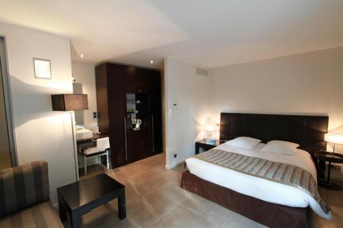 Hotel Pictures: , Tassin-la-Demi-Lune