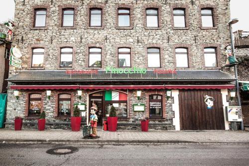 Hotel Pictures: Nurburgring Rooms Pinocchio, Adenau