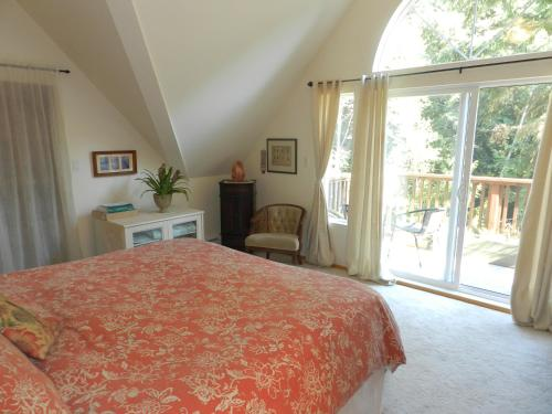 Hotel Pictures: Country Charm in Halfmoon Bay, Halfmoon Bay