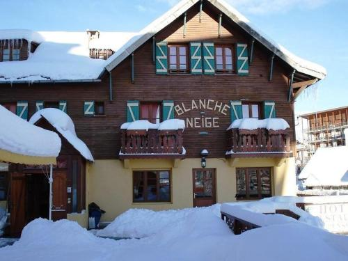 Hotel Pictures: Hotel Le Blanche Neige, Valberg
