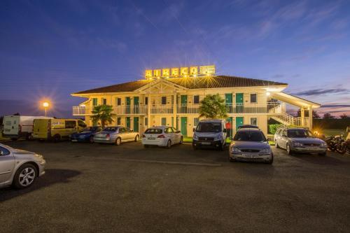 Hotel Pictures: , Cazères-sur-l'Adour