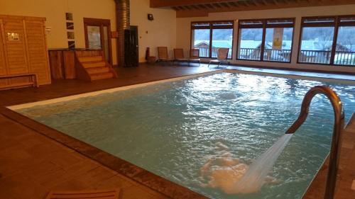 Hotel Pictures: Appartement orelle 3 vallées SPA, Orelle