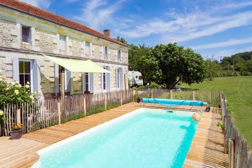 Hotel Pictures: , Saint-Thomas-de-Cônac
