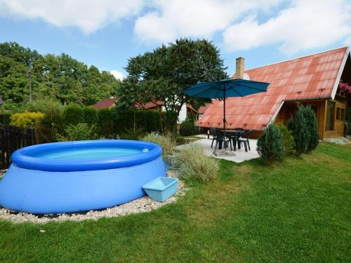 Hotel Pictures: Holiday home Hron, Roudná