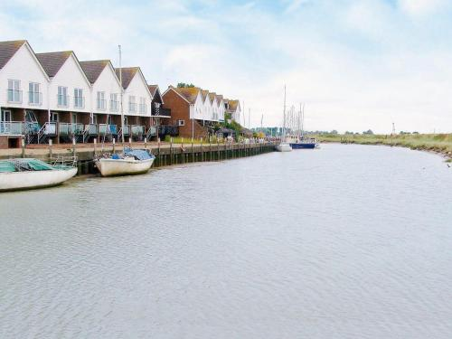 Hotel Pictures: 11 The Boathouse, Rye
