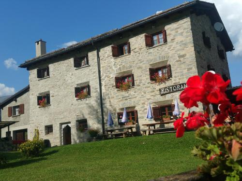 Hotel Pictures: Dormitorio Selva Poschiavo, Poschiavo