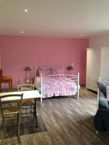 Hotel Pictures: , Amfreville-sur-Iton