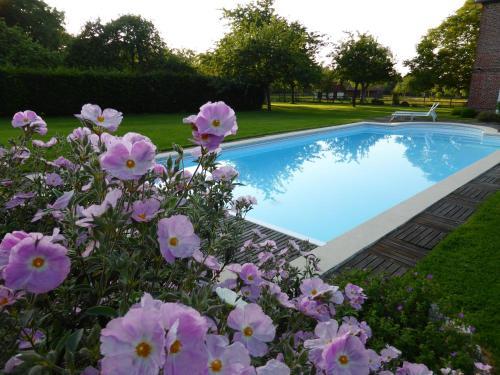Hotel Pictures: , Manneville-la-Raoult