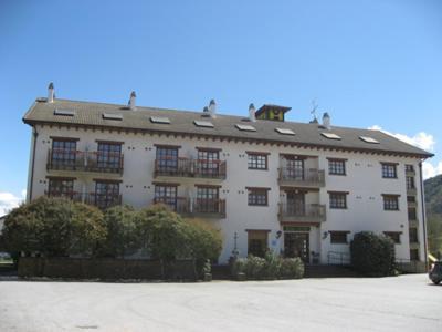Hotel Pictures: , Puente La Reina de Jaca