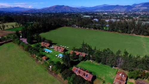Hotel Pictures: Airport Boutique Hotel - Quito Polo Club, Puembo