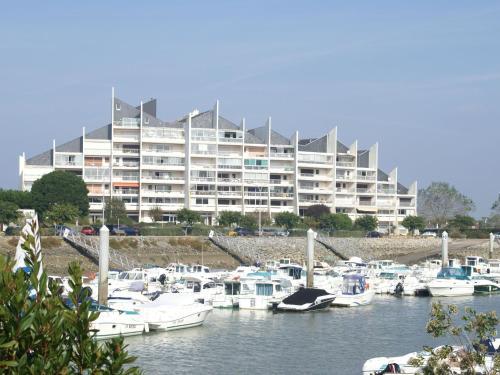 Hotel Pictures: Appartement Le Pouliguen, Le Pouliguen