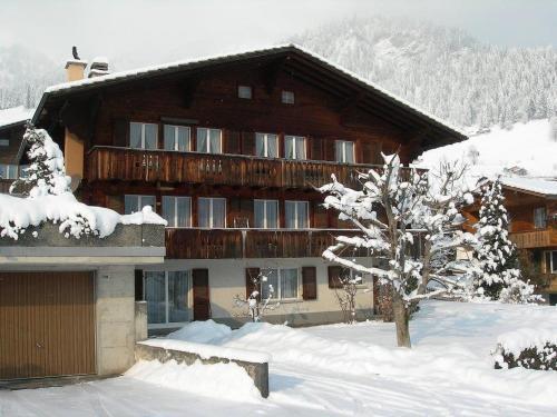 Hotel Pictures: Isenschmid - Oberfeld, Frutigen