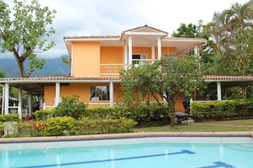 Hotel Pictures: Cabañas Quinta San Pedro, Restrepo