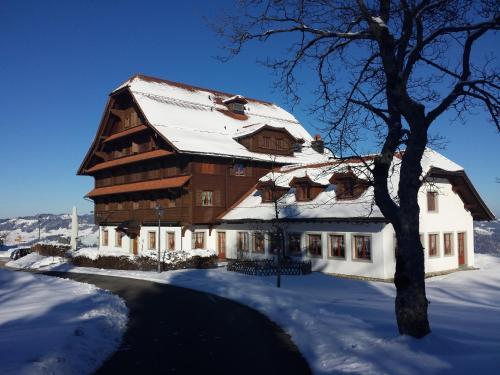 Hotel Pictures: , Heiligkreuz