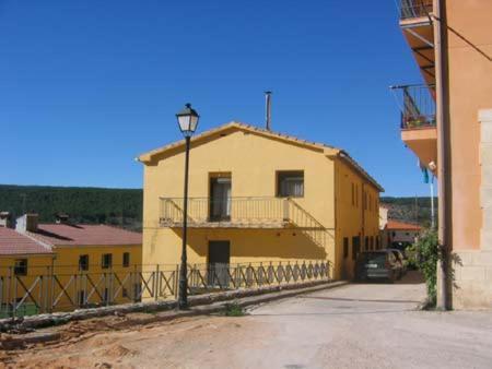 Hotel Pictures: Apartamentos Miguel Angel, Beteta