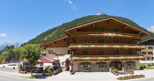Foto Hotel: Hotel Wenger Alpenhof, Werfenweng