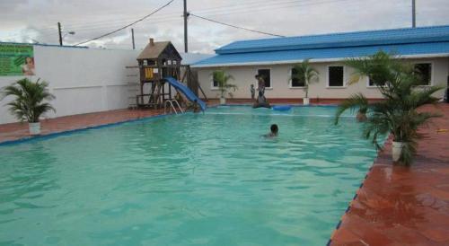 Aracari Resort