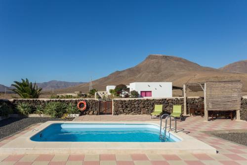 Hotel Pictures: Casa Pilar, Teguitar
