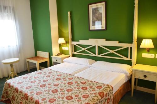 Hotel Pictures: , Horcajo de los Montes