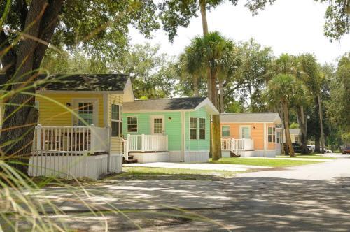 Tropical Palms Premium Cottage 17