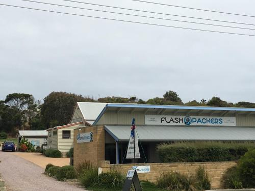 Hotel Pictures: Port Campbell Guesthouse & Flash Packers, Port Campbell