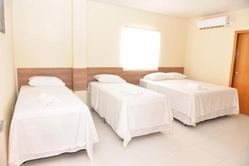 Hotel Pictures: Cajueiro Hotel, Floriano