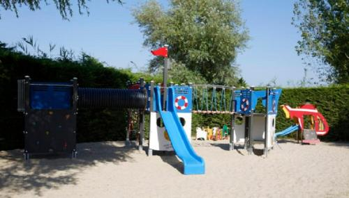 Hotel Pictures: Vacances yes We Camp Bois Soleil, Olonne-sur-Mer