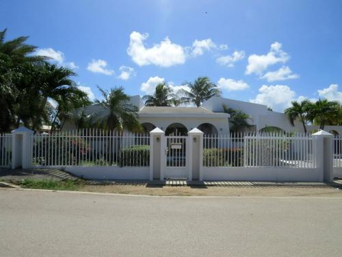 Zdjęcia hotelu: Palm Beach Vacation Villa, Palm-Eagle Beach