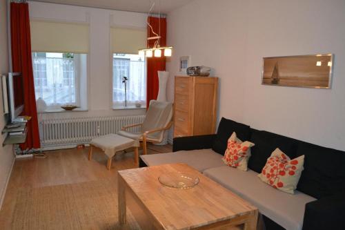 Hotel Pictures: Gaestehaus-am-Hafen-Strandmuschel, Tönning