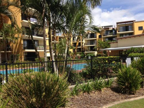 Hotel Pictures: Marcoola Beach Apartment, Marcoola