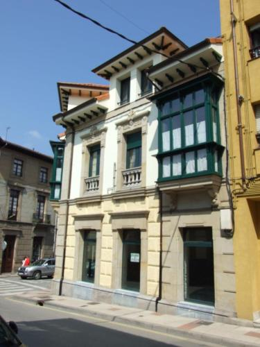 Hotel Pictures: Apartamento Campomanes, Villaviciosa