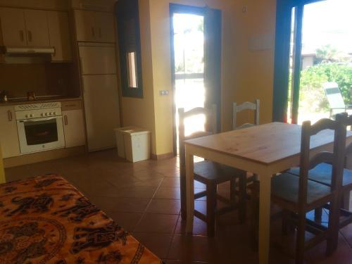 Hotel Pictures: El Hierro Holidays House, Lajares