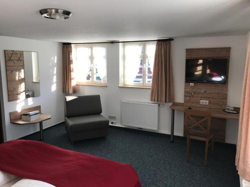 Hotel Pictures: Gasthaus Hotel zum Kreuz, Stetten am Kalten Markt