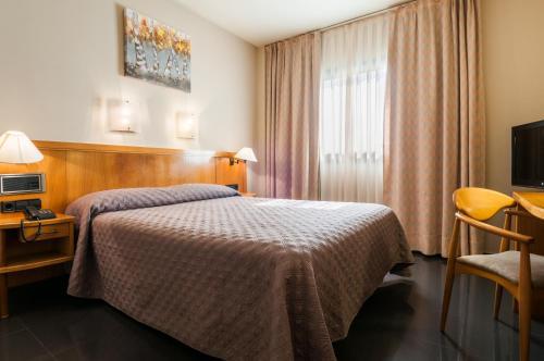 Hotel Pictures: , Vitoria-Gasteiz