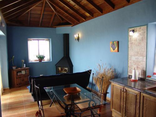 Hotel Pictures: Tota Almendra, Tijarafe