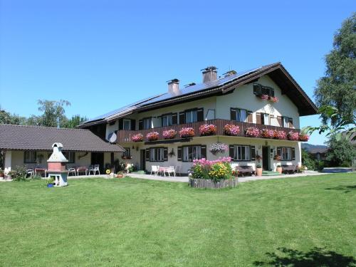 Hotel Pictures: Gästehaus Scheil Apartments, Bad Reichenhall