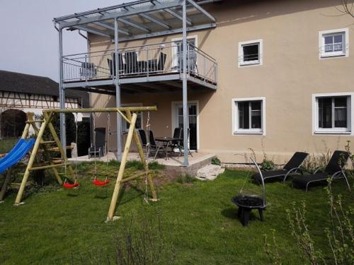 Hotel Pictures: Ferienhaus Wimbauer, Nennslingen