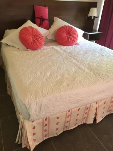 Hotel Pictures: Complejo Puelo Altos de Golondrinas, Golondrinas