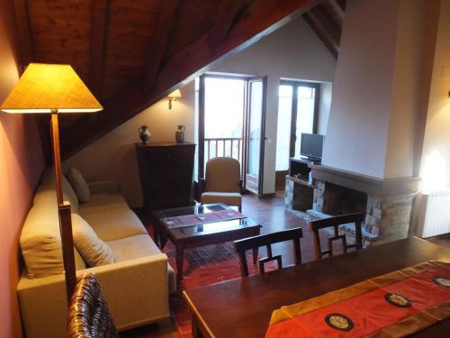 Hotel Pictures: , Valencia de Aneu