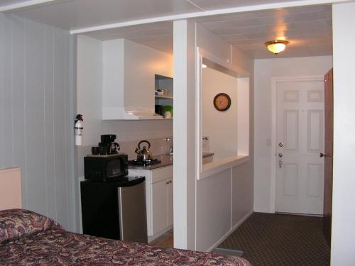 Hotel Pictures: Bell Mountain Motel McBride, McBride
