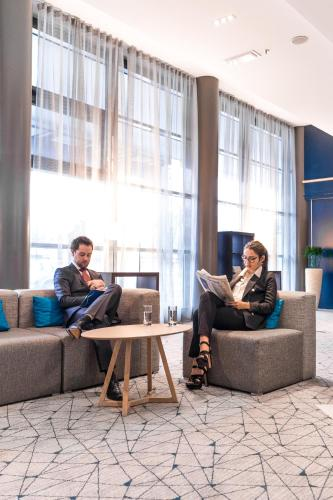 Hotel Pictures: Courtyard by Marriott Paris La Defense West - Colombes, Colombes