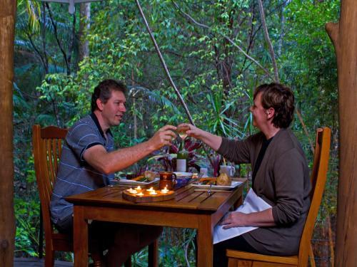 Hotel Pictures: Mt Warning Rainforest Retreat, Uki
