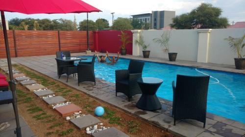 Hotel Pictures: Nicopolis Self-Catering Apartments, Mogoditshane