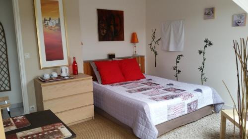 Hotel Pictures: , Civray-sur-Esves