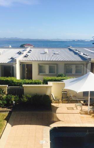 酒店图片: Seaspray Villa 5, 浅滩湾
