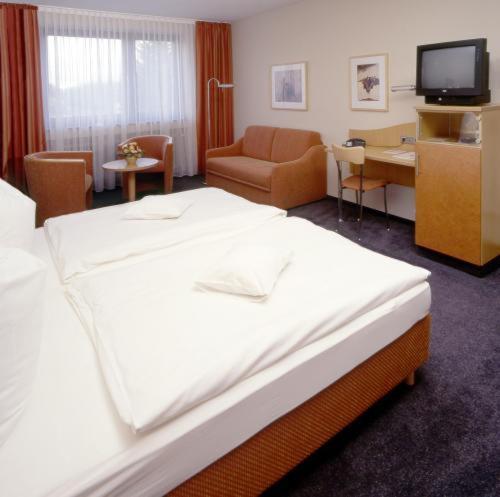 Hotel Pictures: Tespo Hotel und Sportpark, Kaarst
