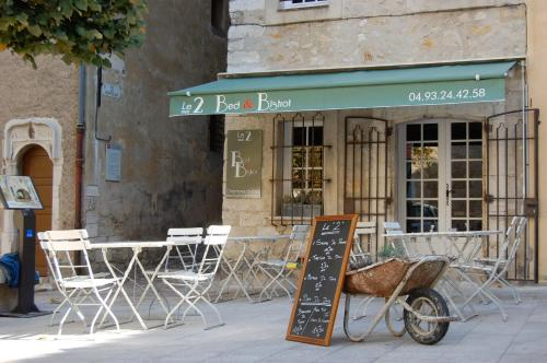 Hotel Pictures: Le 2, Vence