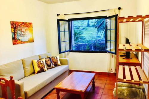 Hotel Pictures: El Mirador de Haria 1, Las Laderas